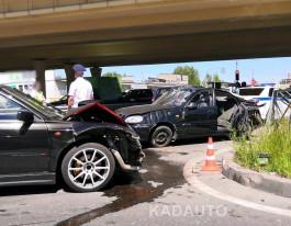 В ДТП на Восточной эстакаде в Калининграде пострадали пять человек