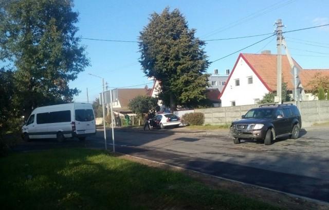 ВКалининграде маршрутка въехала вдерево после столкновения с джипом