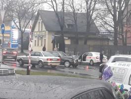 Из-за ДТП на улице Невского заблокированы обе полосы на выезд из Калининграда