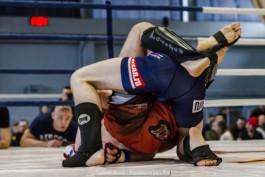 Калининградский тяжеловес Дмитрий Смоляков проиграл поединок на турнире по боям без правил