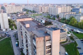 В Калининграде прокуратура потребовала ограничить доступ детей на крыши домов на улице Гайдара