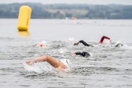 «Сделали это»: участники Ambernan Wave проплыли по Виштынцу 5000 метров