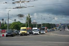 Власти разработали программу для снижения числа автомобилей в Калининграде
