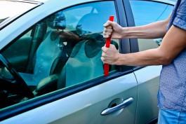 Полицейские задержали двоих калининградцев за кражи из припаркованных автомобилей