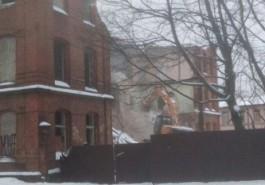 В Калининграде продолжили сносить здание бывшего Оберлицея на ул. Томской