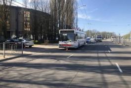 В Калининграде после ДТП в автобусе из коляски выпал 11-месячный ребёнок