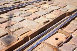 «Калининград-ГорТранс» планирует закупить оборудование для выравнивания «кривых» трамвайных рельсов