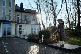 Скульптуру «Добрый Кант» перевезли в Янтарный