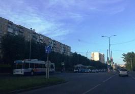 Очевидцы: Из-за аварии на Московском проспекте встали троллейбусы