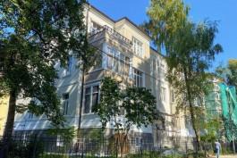 В Калининграде завершают ремонт исторического дома рядом с зоопарком