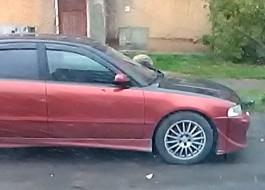 Ночью в Калининграде неизвестные разбили камнями стёкла припаркованных автомобилей