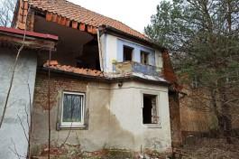 В немецком особняке на улице Тельмана в Калининграде обрушилась часть стены