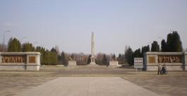 В Варшаве осквернили крупнейшее захоронение советских солдат