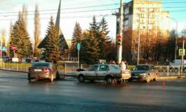 На Советском проспекте в Калининграде столкнулись три автомобиля
