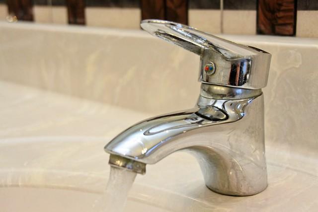 В Калининграде на две недели отключили горячую воду в домах на 14 улицах
