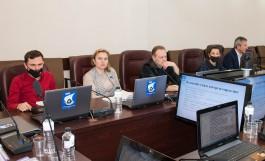 Депутаты Горсовета от КПРФ предложили обсудить с калининградцами законность ограничений по QR-кодам