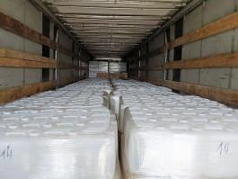 В Калининградскую область пытались ввезти 20 тысяч литров спирта под видом растворителя