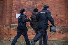 СК: Пьяный калининградец устроил конфликт в кофейне из-за очереди и ударил полицейского