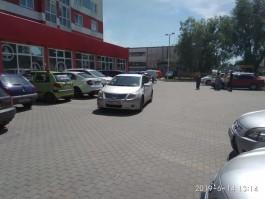 На парковке у «Спара» в Калининграде водитель «Тойоты» сбила пешехода