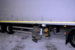 В Гжехотках задержали полуприцеп из Калининградской области с перебитым VIN-номером