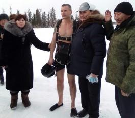 Калининградский экстремал прыгнул с парашютом в Якутии в одних шортах и установил мировой рекорд