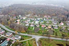 «Попадают на рельсы»: жители Холмогоровки выступили против строительства железной дороги посреди посёлка