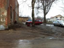 В Полесске водитель на «Субару» врезался в стену дома