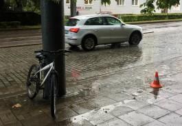 На проспекте Мира в Калининграде велосипедист сбил 86-летнюю женщину на тротуаре