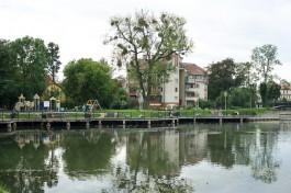 В Калининграде начали ремонтировать территорию рядом с озером Поплавок