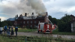 В Черняховске в жилом доме загорелась крыша и взорвался газовый баллон: эвакуировали 40 человек