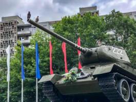 Кропоткин о танке на улице Соммера в Калининграде: Никуда его переносить не будут