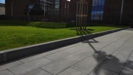 На Музейный квартал на Острове завезли 12 тысяч квадратных метров тротуарной плитки