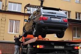 В Гусеве начали эвакуировать автомобили за неправильную парковку