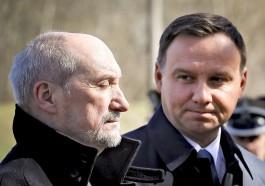 СМИ: Президент Польши потребовал отставки министра обороны Мачеревича