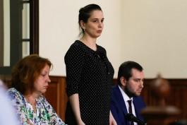 Суд решил оставить под домашним арестом обвиняемую в убийстве ребёнка врача перинатального центра