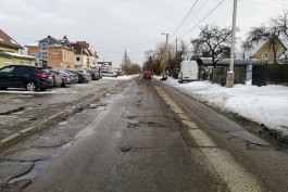 «Ухабы да заплатки»: как выглядит улица Катина в Калининграде в ожидании реконструкции