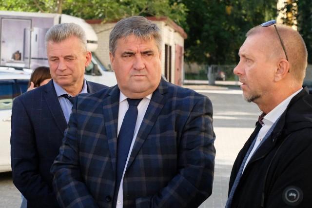 Силанов поручил привести в порядок газоны после благоустройства дворов в Калининграде