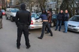 СК: Обвиняемым в убийстве Владимира Кобера продлили арест до 20 ноября