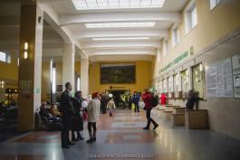 На Южном вокзале в Калининграде установили стенд для зарядки мобильных устройств
