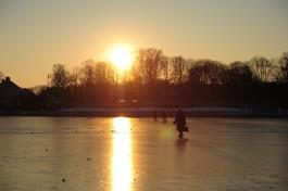 Власти Калининграда: Выходить на лёд водоёмов пока опасно