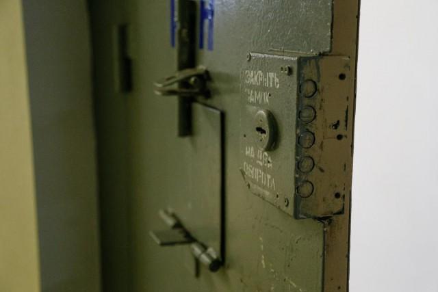 Источник: В СИЗО в центре Калининграда нашли повешенным 31-летнего заключённого