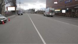 В Калининграде на улице Озерова автомобиль сбил пенсионерку