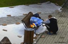 «С хлебом и шуруповёртом»: камеры «Безопасного города» засняли ограбление спящего калининградца