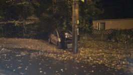 В Калининграде водитель «Хёндая» врезался в столб и скрылся, пострадала пассажирка