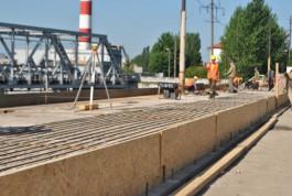 С понедельника для пешеходов откроют отремонтированную часть моста на ул. Суворова