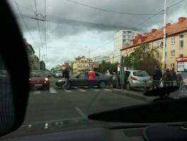 Из-за аварии на улице Горького в Калининграде образовалась пробка