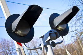 Очевидцы: На ж/д переезде в Голубево «Камаз» влетел в поезд