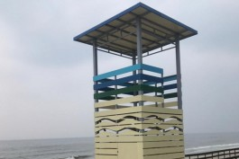 На пляже на Куршской косе установили пять спасательных вышек