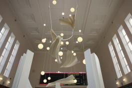 На Южном вокзале в Калининграде открылась выставка из Третьяковской галереи