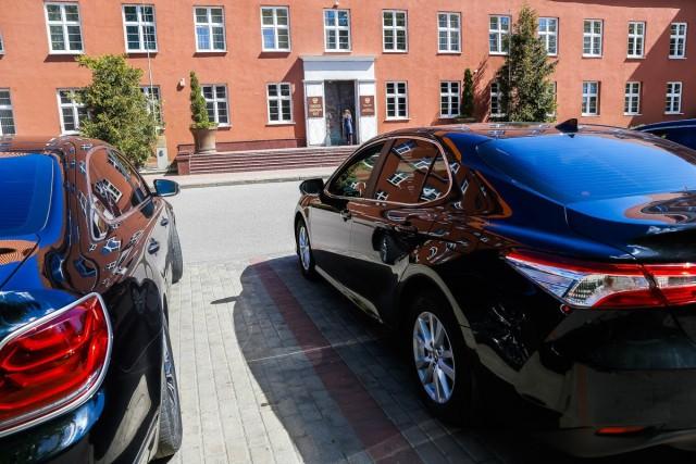 «Коммерсантъ»: Супругов из Калининграда подозревают в передаче Латвии секретных документов областного правительства
